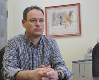 Simon Deschênes interpelle Philippe Couillard concernant trois dossiers majeurs